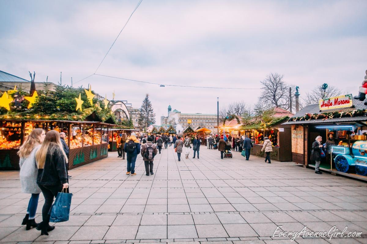 Female travel blog Christmas market 2676