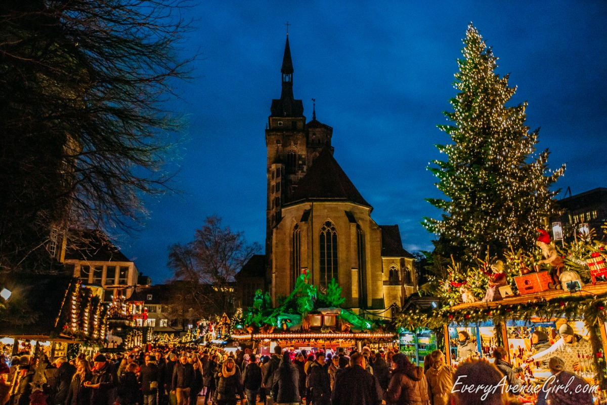 Female travel blog Christmas market 3078